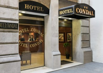Hotel Condal - Entrance